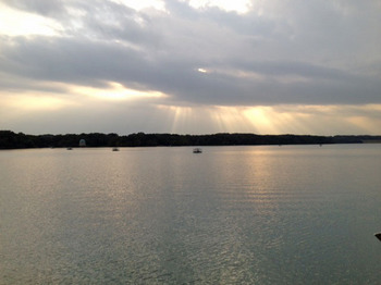 11.1115湖.JPG